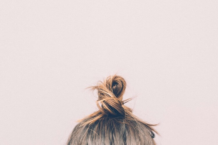 bun-girl-hairs-9634 (1)