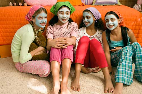 Girls at a spa birthday party