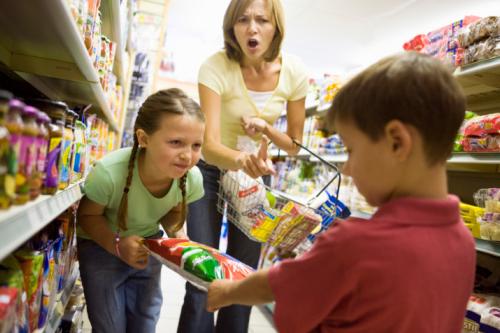 children fighting in grocery store