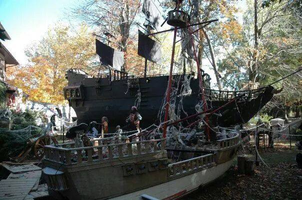 The Most Spooktacular Halloween Houses In New Jersey Nj Family