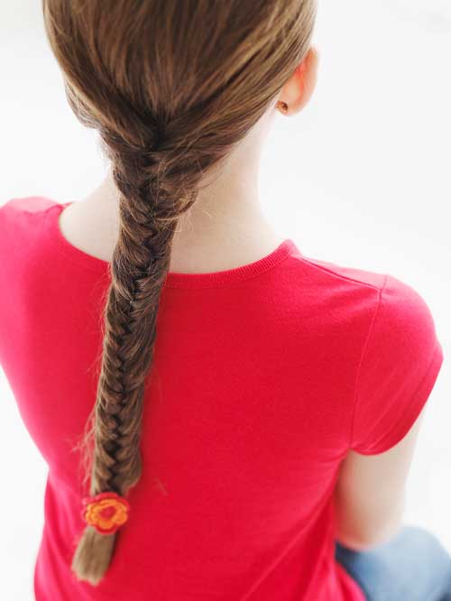 How to make a fishtail braid in your daughter's hair