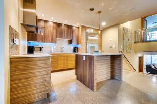 #1005 - Modern, fully remodeled retreat, walking distance to slopes -