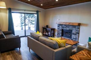 #424 - Renovated single-family home near Village w/ private hot tub! NEW LISTING!! -