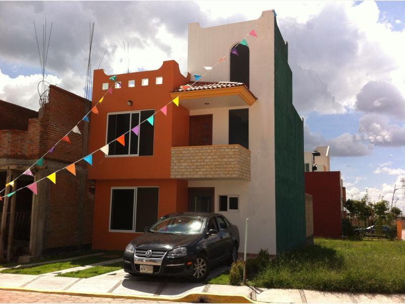 Casa en venta fracc finca san agostino atlixco puebla for Recamaras juveniles en puebla