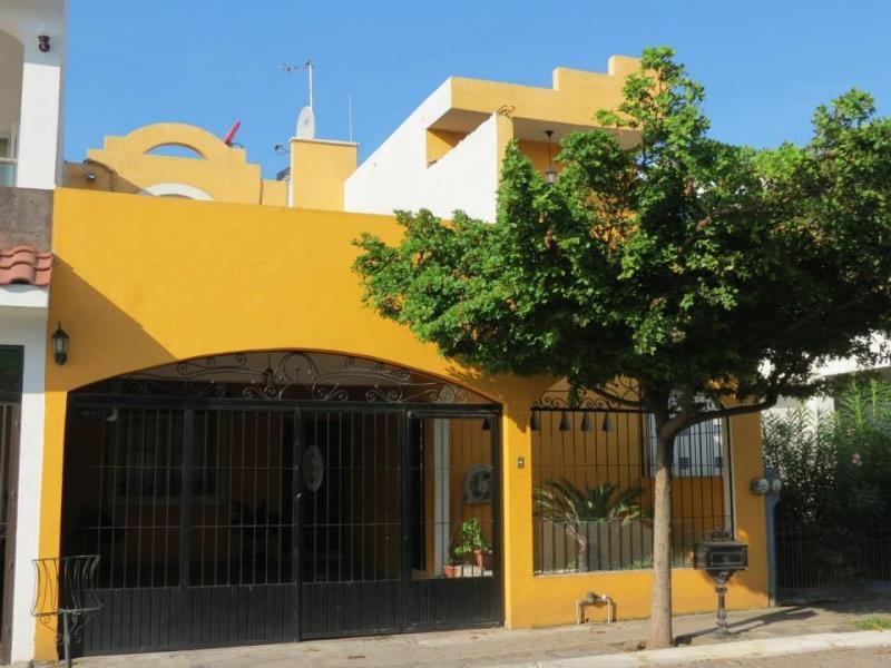 Casa en venta real bugambilias villa de lvarez colima for Jardin de la villa colima