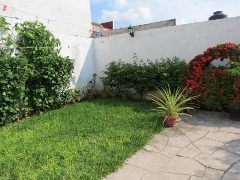 Casa en venta real bugambilias villa de lvarez colima for Jardin de villa de alvarez colima