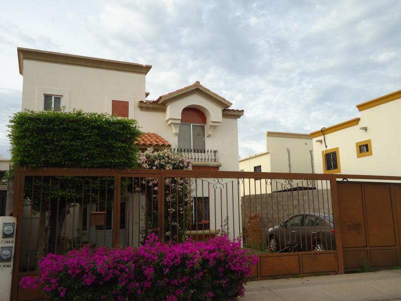 Casa En Venta En Montecarlo Hermosillo Goplaceit
