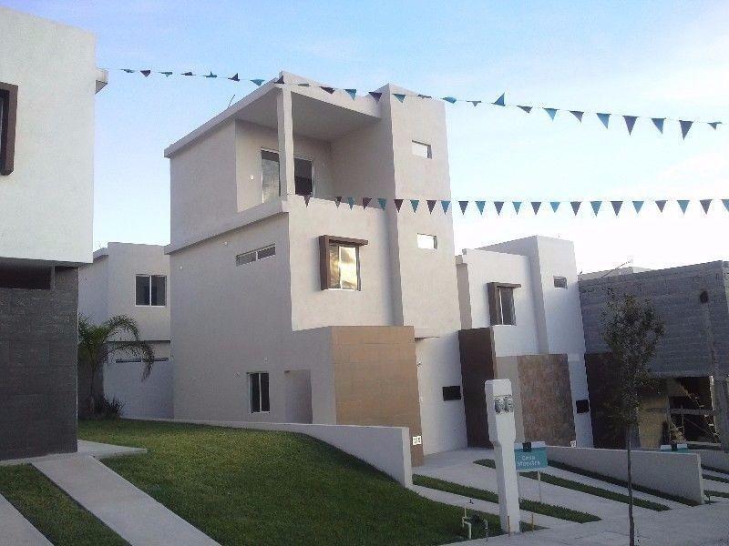 Casa en venta fraccionamiento apice santa catarina for Casas santa catarina