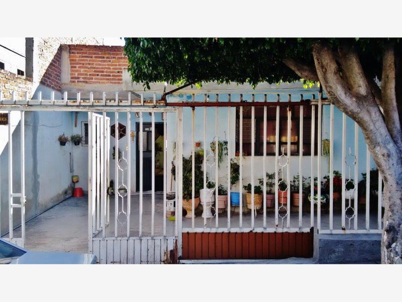 Venta De Casa En Chapalita Leon Goplaceit
