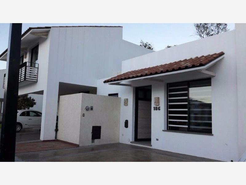 Casa en venta amberes residencial le n guanajuato for Casas en leon gto