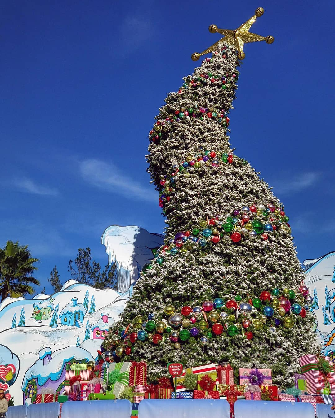 universal studios hollywood visual menureviews by food bloggersinstagrammers - When Does Universal Studios Hollywood Decorate For Christmas