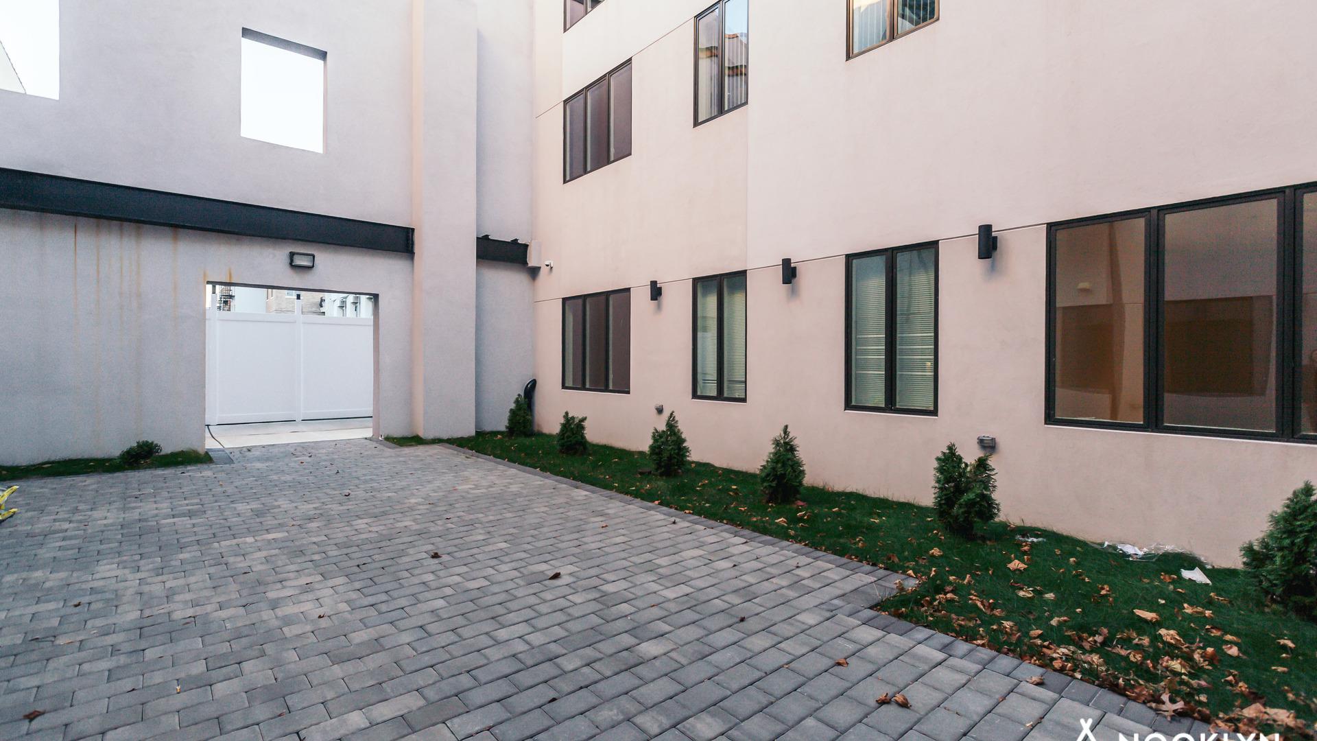 738 knickerbocker amenities 4