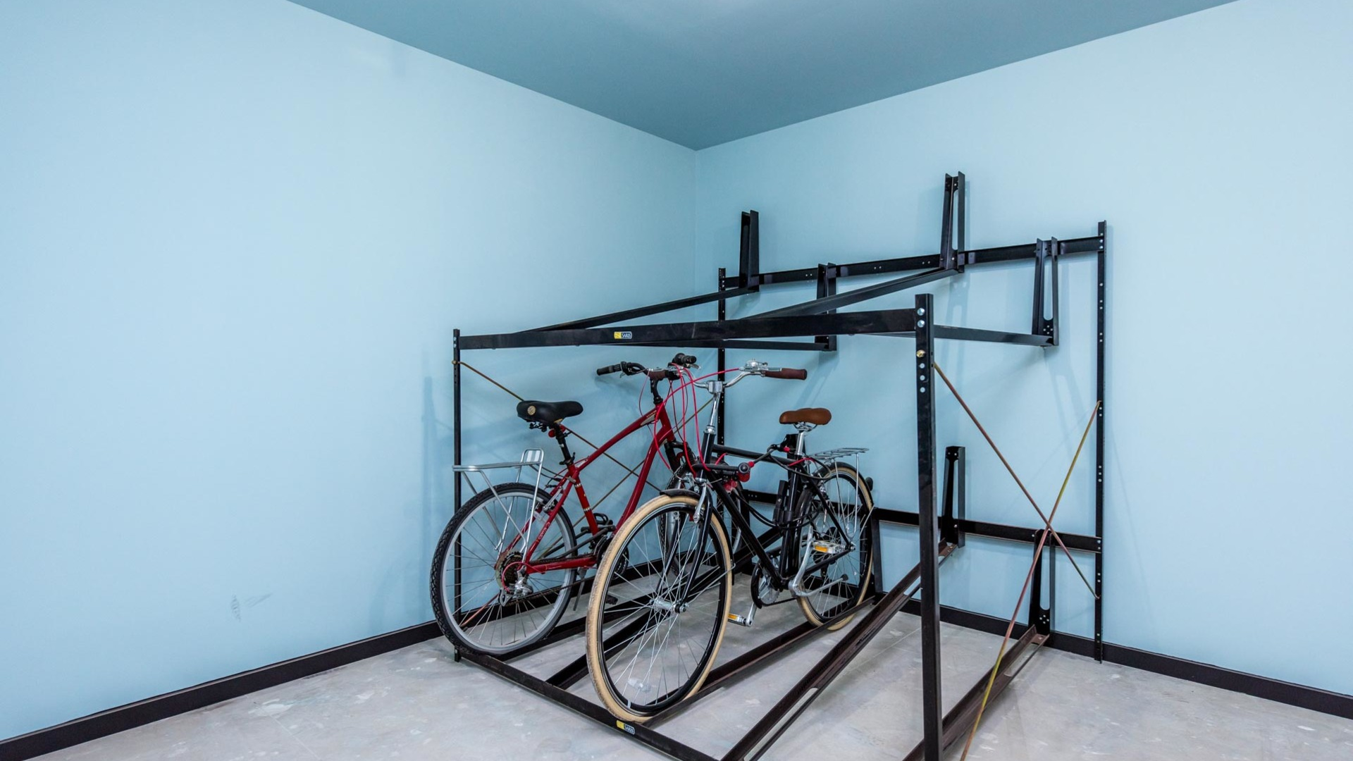 027 785 dekalb avenue bike room 1