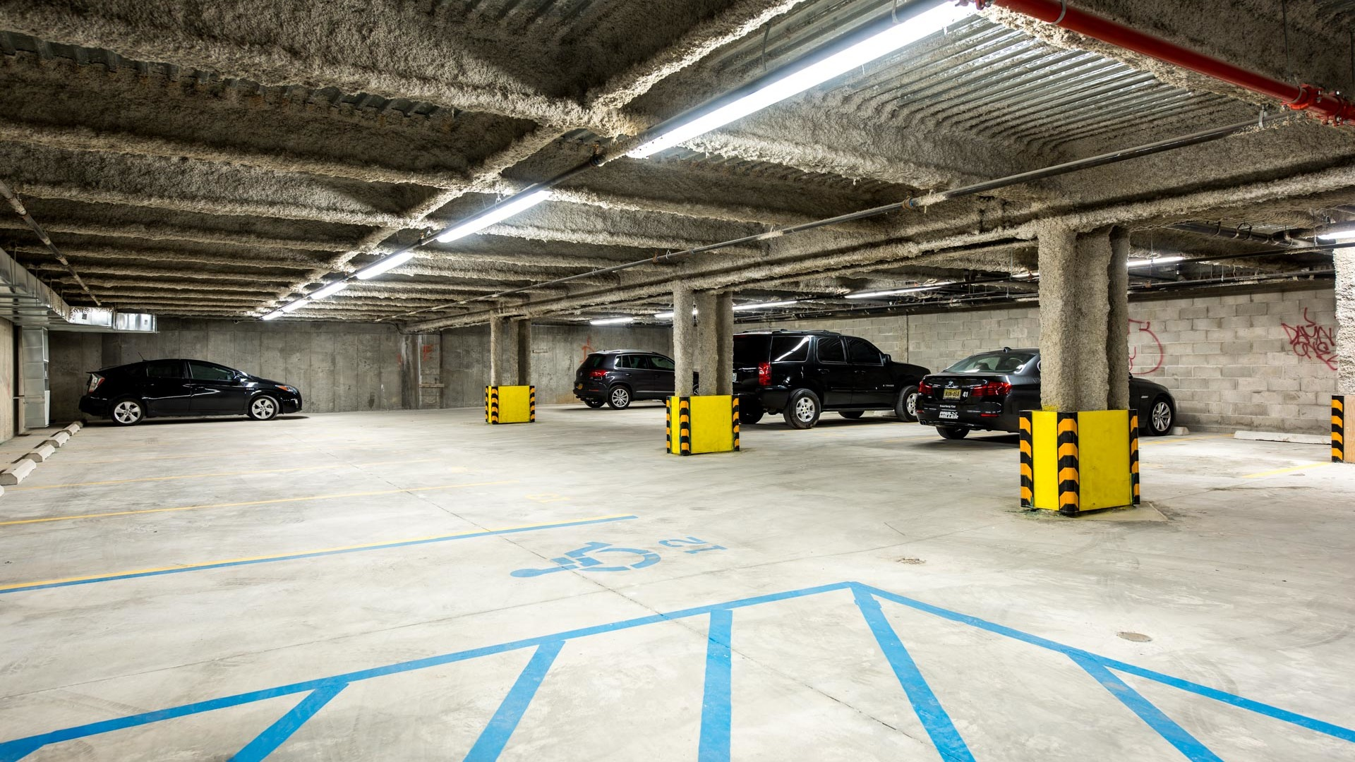 031 785 dekalb avenue garage 1