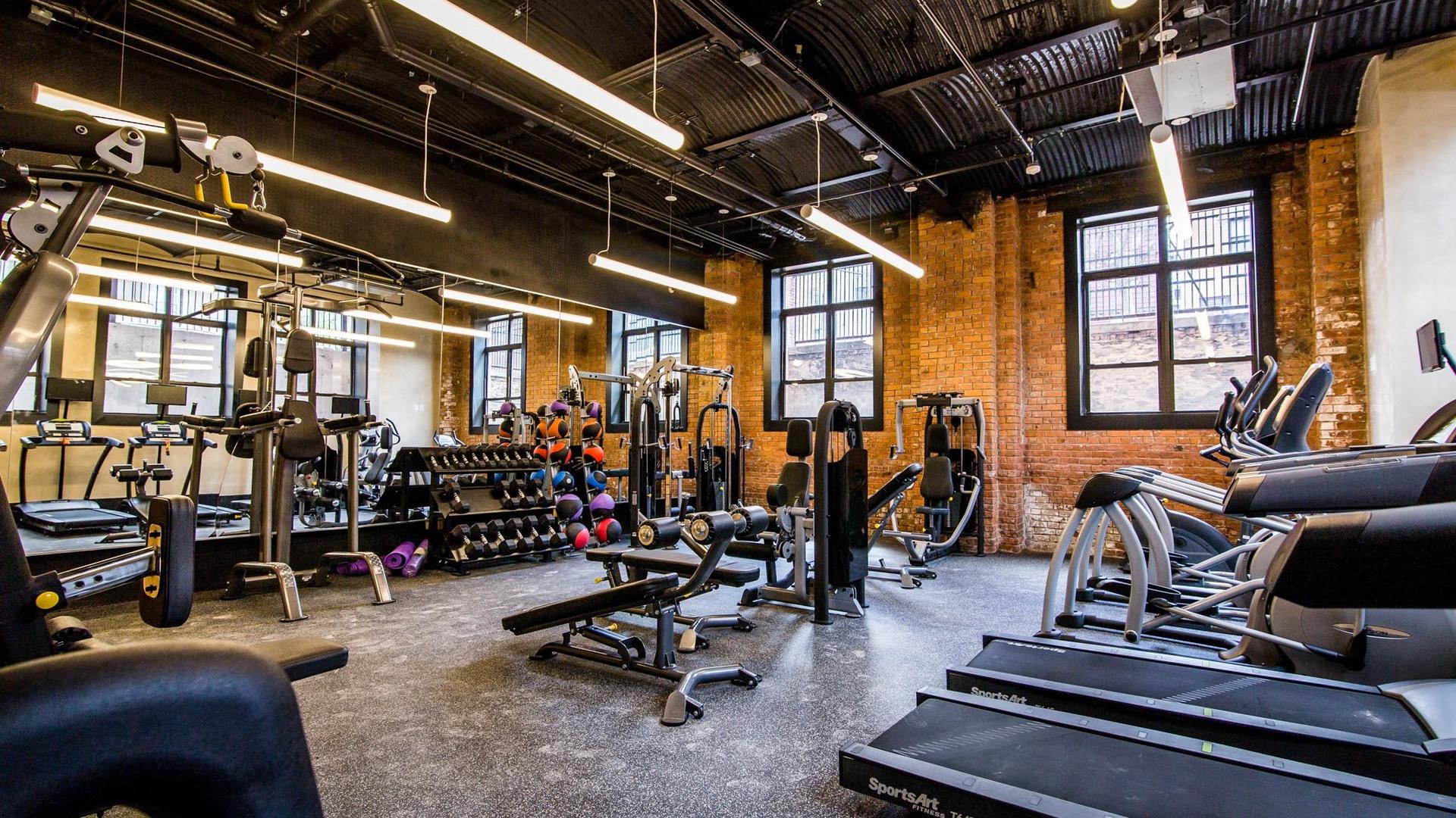 041 17 monitor gym 5