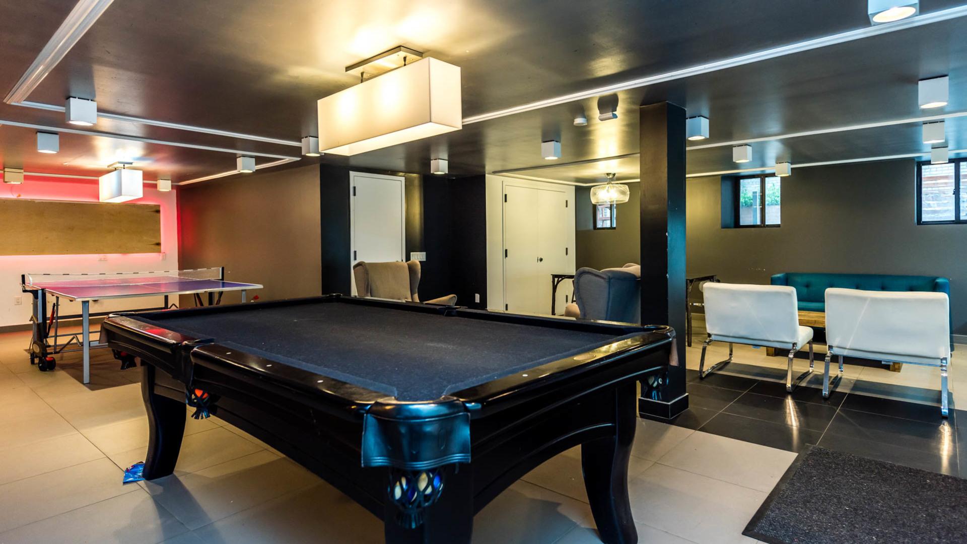 007 1635 putnam avenue game room 5
