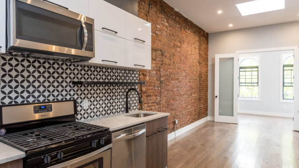 A $2,999.00, 3 bed / 1.5 bathroom apartment in Bushwick