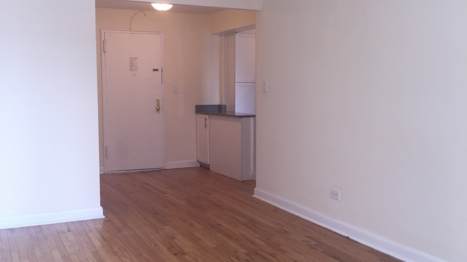 A $1,525.00, 0 bed / 1 bathroom apartment in Flushing