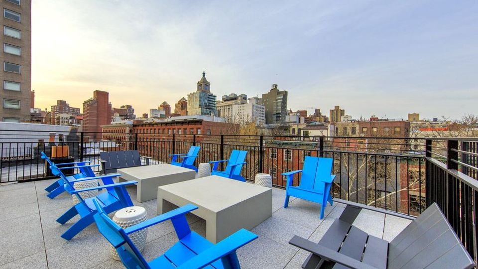 A $4,644.00, 3.5 bed / 2 bathroom apartment in Brooklyn Heights