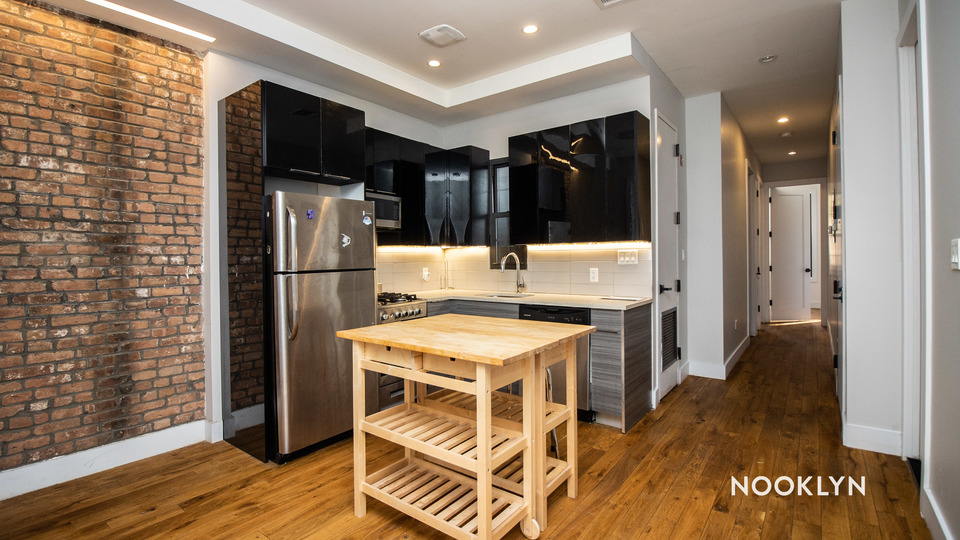 A $3,667.00, 5 bed / 2 bathroom apartment in Bed-Stuy