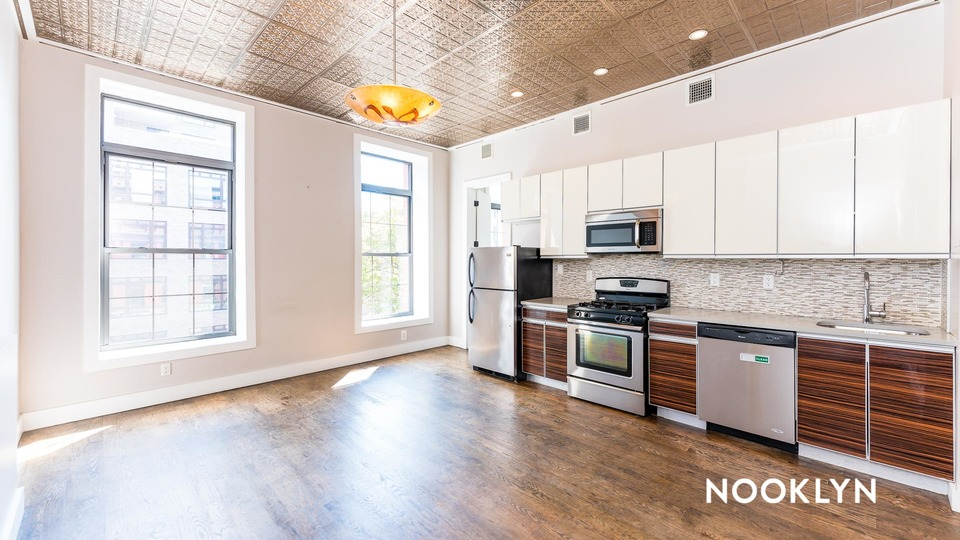 A $4,800.00, 5 bed / 2 bathroom apartment in Bed-Stuy