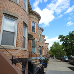 A $2,200.00, 3 bed / 1 bathroom apartment in Ridgewood