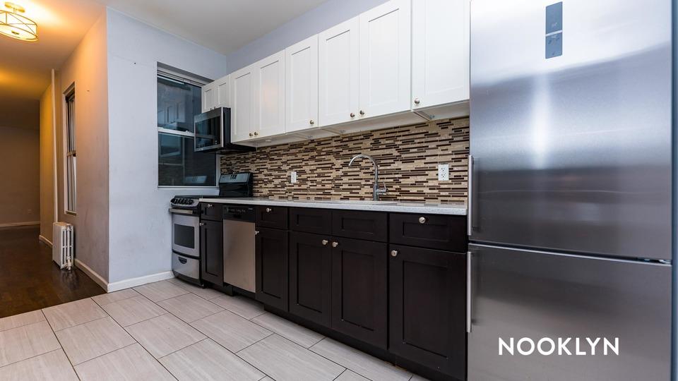 A $2,750.00, 3 bed / 1 bathroom apartment in Ridgewood
