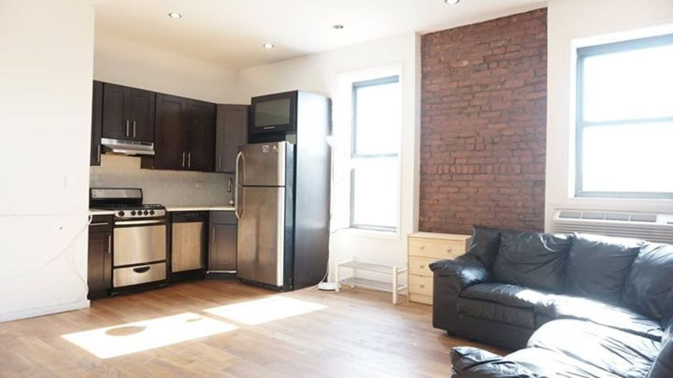 A $4,200.00, 5 bed / 2 bathroom apartment in Bed-Stuy