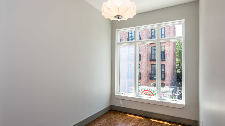 A $3,777.00, 3 bed / 1.5 bathroom apartment in Williamsburg