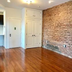 A $2,700.00, 2 bed / 1 bathroom apartment in Bushwick