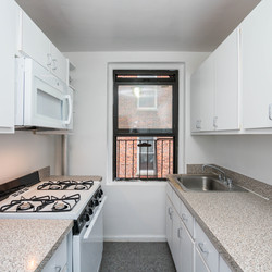 A $2,250.00, 2 bed / 1 bathroom apartment in Sunnyside