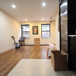 A $2,400.00, 1.5 bed / 1 bathroom apartment in Bed-Stuy