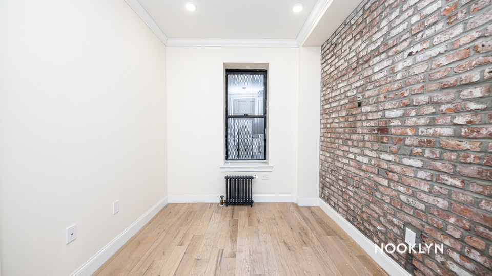 A $2,350.00, 3 bed / 2 bathroom apartment in Bushwick