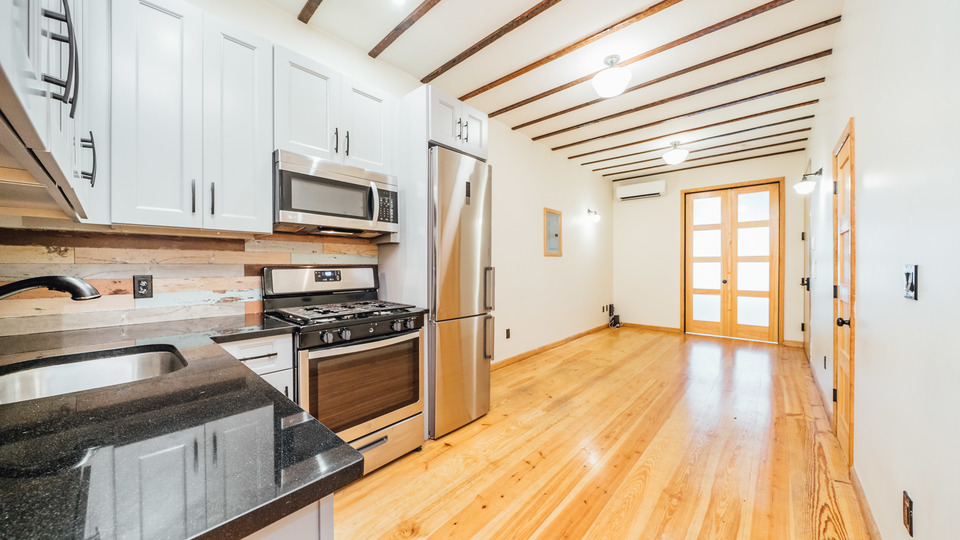A $4,600.00, 4 bed / 1.5 bathroom apartment in Bushwick