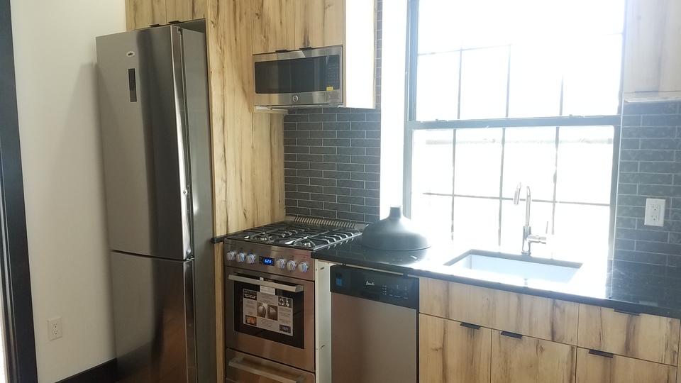 A $1,850.00, 1.5 bed / 1 bathroom apartment in Flatbush