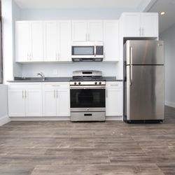 A $2,700.00, 3 bed / 1 bathroom apartment in Ridgewood