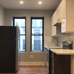 A $2,200.00, 3 bed / 1 bathroom apartment in Brownsville