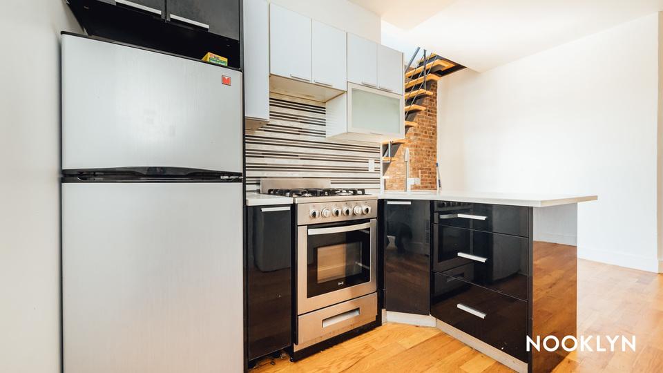 A $3,550.00, 4 bed / 1 bathroom apartment in Bushwick