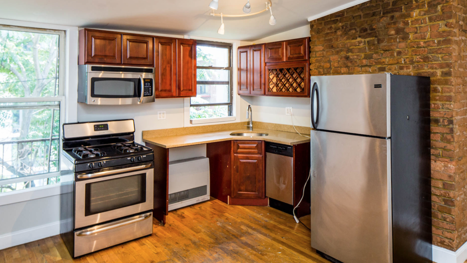 A $3,800.00, 2.5 bed / 1 bathroom apartment in Williamsburg