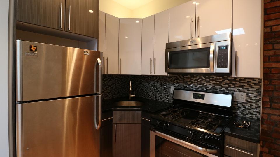 A $2,400.00, 2 bed / 1 bathroom apartment in Clinton Hill