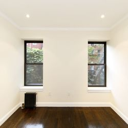 A $3,893.00, 3 bed / 2 bathroom apartment in Greenpoint