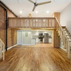 A $2,750.00, 0 bed / 1 bathroom apartment in Williamsburg