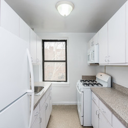 A $4,650.00, 3 bed / 1 bathroom apartment in Sunnyside
