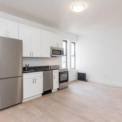 A $2,888.00, 3 bed / 1 bathroom apartment in Bed-Stuy