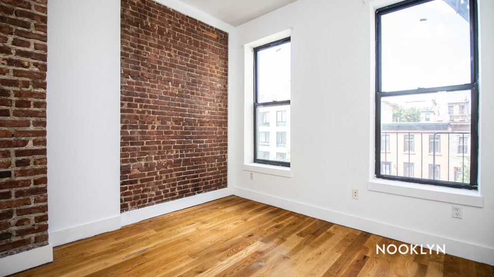 A $2,350.00, 3 bed / 1 bathroom apartment in Bed-Stuy