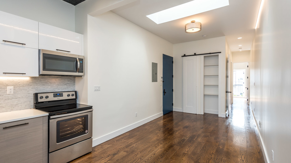 A $2,800.00, 3 bed / 1.5 bathroom apartment in Greenpoint