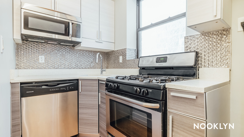 A $1,850.00, 2 bed / 1 bathroom apartment in Bed-Stuy