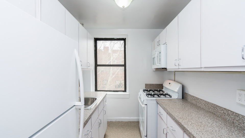 A $3,100.00, 2 bed / 1 bathroom apartment in Sunnyside