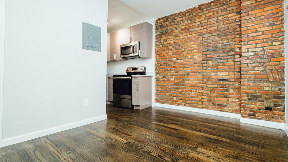 A $2,700.00, 3 bed / 2 bathroom apartment in Bed-Stuy