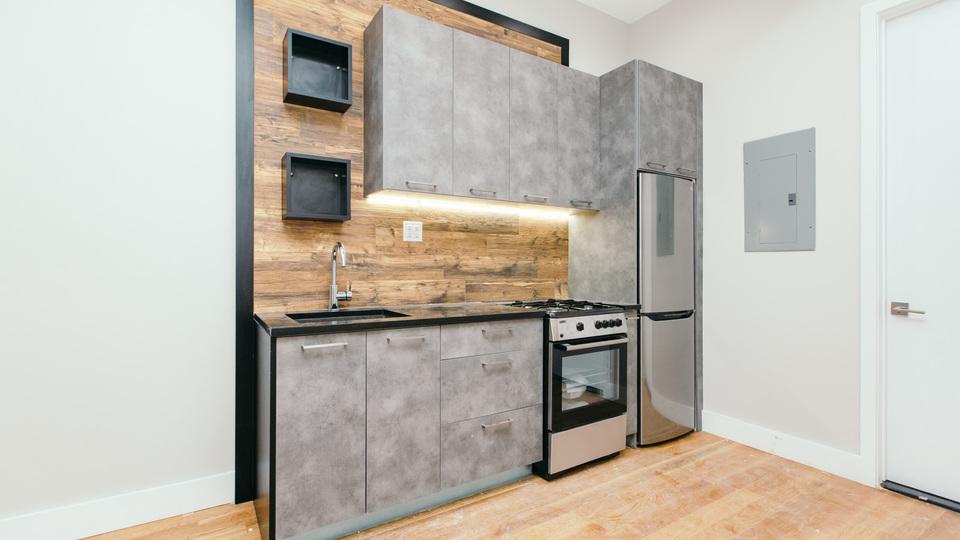 A $2,100.00, 0 bed / 1 bathroom apartment in Bushwick